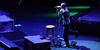 Cedera, Vokalis Linkin Park Chester Bennington Tampil Pakai Sepeda Mini