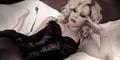 Cuplikan Adegan Avril Lavigne Berlingerie di Video Klip 'Goodbye'
