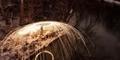 Keindahan Percikan Cahaya Kembang Api Buatan dari Kawat