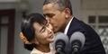 Obama Cium Mesra Aung San Suu Kyi Saat di Myanmar