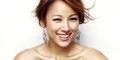 Penyanyi Cantik Lee Hyori Tampil Seksi untuk Elle
