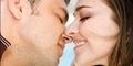 4 Jenis Ciuman Favorit Pria