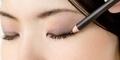 5 Macam Alat Make up Mata dan Fungsinya