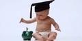 6 Tips Ajarkan Anak Berhemat