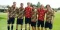 Penampilan Tim Arsenal dengan Batik Indonesia