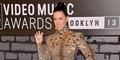 Katy Perry Kenakan Gaun Bekas Coco Rocha di MTV VMA 2013
