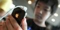 Keluarga Kecanduan Smartphone, Merasa Tak Diperhatikan Kakek ini Bunuh Diri