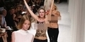 Dua Wanita Topless Kacaukan Paris Fashion Week