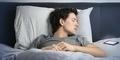 Mau Tidur Berkualitas? Matikan Gadget Satu Jam Sebelum Tidur!