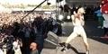 Penampilan Panas Miley Cyrus di Las Vegas