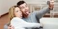8 Alasan Pria Jatuh Cinta pada Wanita (Bukan Karena Cantik!)