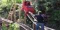 Wujudkan Impian Anak, Seorang Ayah Bangun Roller Coaster Pribadi