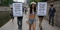 Bohyung SPICA Penuhi Janji Pakai Bikini Seksi di Jalanan