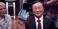 CEO BB John Chen Pamer BlackBerry Passport dan Classic