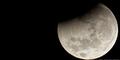 Peneliti Temukan Bukti Kehidupan Lain di Bulan