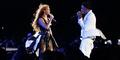 Dituduh Selingkuh, Jay-Z Cium Mesra Beyonce di Atas Panggung