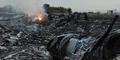 Video Malaysia Airlines Jatuh Ditembak Rudal