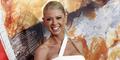 Bintang American Pie Tara Reid Menyesal Pernah Memperbesar Payudara