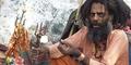 Penyihir India Bacok dan Bakar Pesaingnya