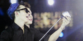 Donghae Suju M Selfie Pakai Tongsis Fans di Konser Mahakarya RCTI