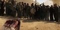 ISIS Rajam Wanita Suriah Hingga Tewas Karena Berzina