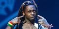 Lil Wayne Kena HIV AIDS Karena Tiduri Penari Striptis?