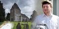 Polisi Inggris Tangkap Hantu di Pemakaman