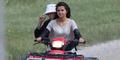 Foto Mesra Justin Bieber-Selena Gomez Naik ATV Bareng
