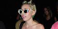 Foto Miley Cyrus Setengah Bugil dan Isap Ganja di Pesta