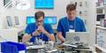 Samsung Rilis 6 Video Sindiran iPhone 6 Bertema 'It Doesn't Take A Genius'