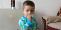 Video Bocah 2 Tahun Dipaksa Merokok Picu Kemarahan Netizen