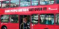 Sopir Usir Pasangan Gay yang Berciuman di Bus