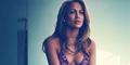 Foto Seksi Jennifer Lopez Pakai Bikini Pink