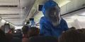 Membuat Lelucon Terkena Ebola, Penumpang Pesawat Diusir