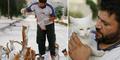 Pria Baik Hati Beri Makan 150 Kucing Korban Perang Suriah