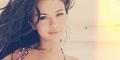 Selena Gomez Pamer Foto Selfie Pakai Bikini Seksi