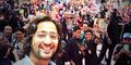 Foto Selfie Shaheer Sheikh Arjuna Mahabharata Bersama Fans di Jakarta