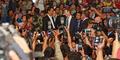 Foto Mark Zuckerberg Blusukan di Pasar Tanah Abang