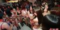 Ratusan Wanita China Rela Bugil Demi Baju Gratis