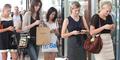 Smartphone Bisa Bikin Bungkuk
