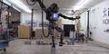 Video Aksi Robot Atlas Tiru Tendangan Ala Karate Kid