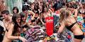 Demi Baju Gratis, 100 Orang Singapura Rela Bugil