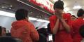 Pramugari AirAsia Disiram Air Panas, Pesawat Terpaksa Mendarat Darurat