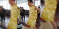 Pria China Angkat Beban 80 Kg dengan Buah Zakar