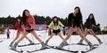 5 Gadis Seksi China Main Ski Hanya Pakai Celana Dalam