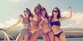 Foto Taylor Swift Berbikini Seksi di Hawaii