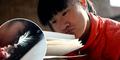 Lumpuh Sejak Lahir, Guo Xiangge Jalankan Bisnis Online Dengan Hidung dan Dagu