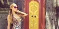Liburan Seksi Paris Hilton di Bali