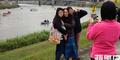 Aksi Selfie Warga Taiwan di Lokasi Jatuhnya Pesawat TransAsia Dihujat