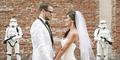 Pasangan Ini Gelar Pernikahan Keren Ala Star Wars